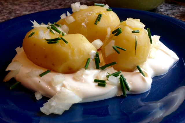 Potatoes with quark and linseed oil